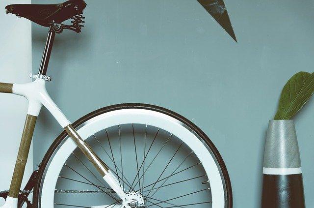 Praktikus megoldás a fali kerékpártartó